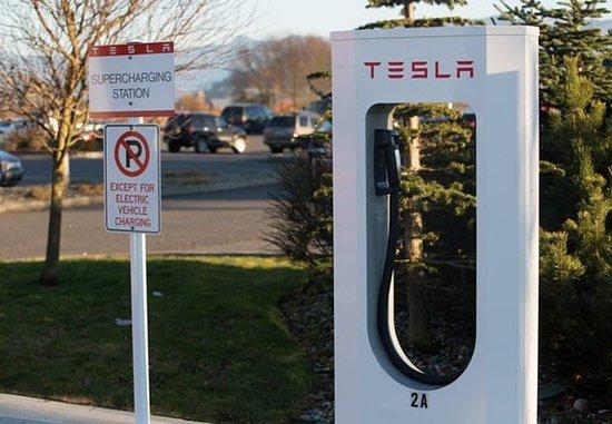 Burlington, WA: Tesla Charging Station