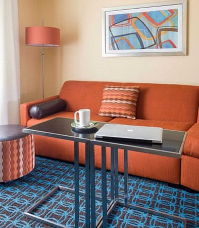 Mansfield, OH: Guest Room Seating
