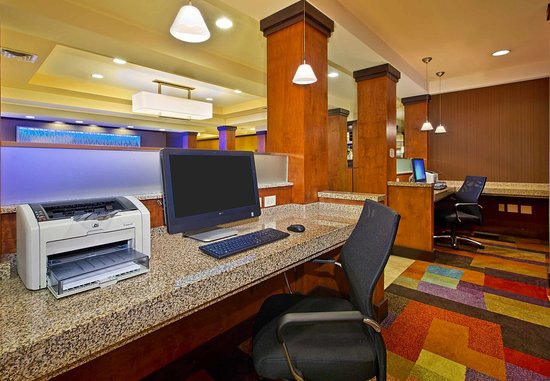 East Ridge, TN: Business Center