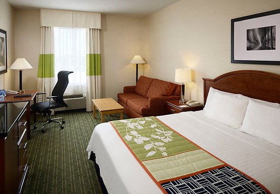 Fairfield Inn Toronto Oakville: King Guest Room