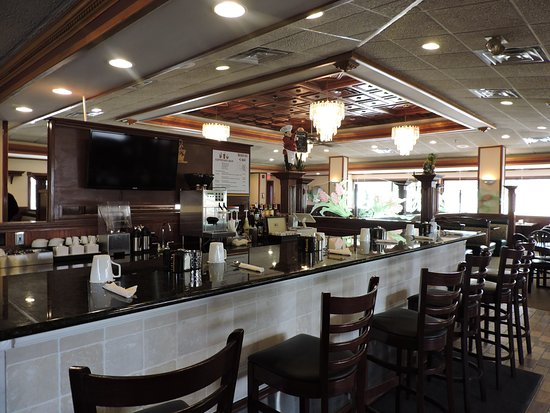 Elgin, Ιλινόις: Rubi-os Cafe family, friendly environment, traditional American, serving breakfast and lunch.