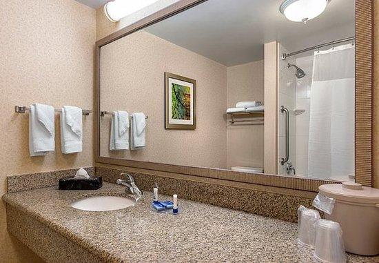 Elizabeth City, Carolina del Norte: Guest Bathroom