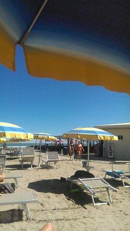 Hotel Touring: Обед на пляже - все разбежались по кафе и ресторанам