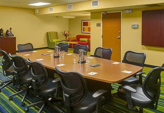 Fairfield Inn & Suites Seattle Bellevue/Redmond: Boardroom