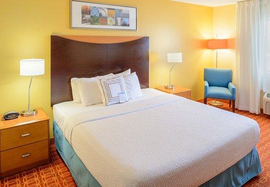 Joplin, MO: King Guest Room