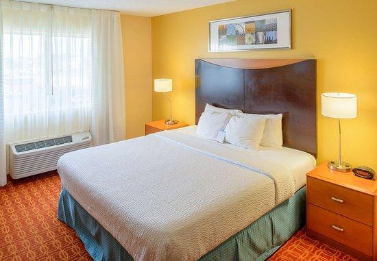 Joplin, MO: Executive King Guest Room
