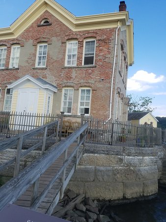 Saugerties, NY: The Lighthouse also serves as a bed and breakfast
