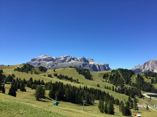 Badia, อิตาลี: Panorama estivo dalla baita