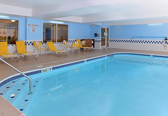 Troy, OH : Indoor Pool - Seating