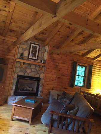 Pittsburg, NH: Evergreen Cabin- Interior