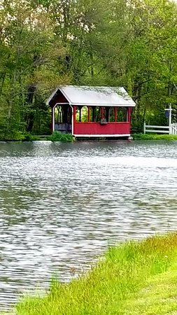 Saylorsburg, PA: Covered Bridge on the walking path that wraps around the lake