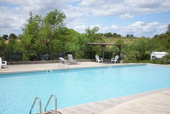 Piscine photo de camping de la commanderie carcassonne for Camping carcassonne avec piscine