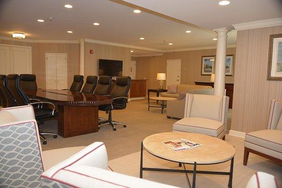 Frontenac, Миссури: Presidential Parlor Seating