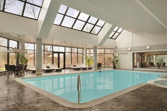 East Brunswick, NJ: Pool