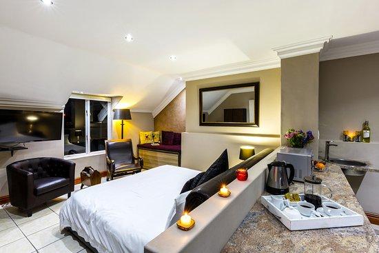 Holiday Guest House Langebaan Luxury Honeymoon Suite