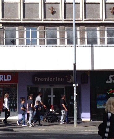 Premier Inn Brighton City Centre Hotel : Front entrance