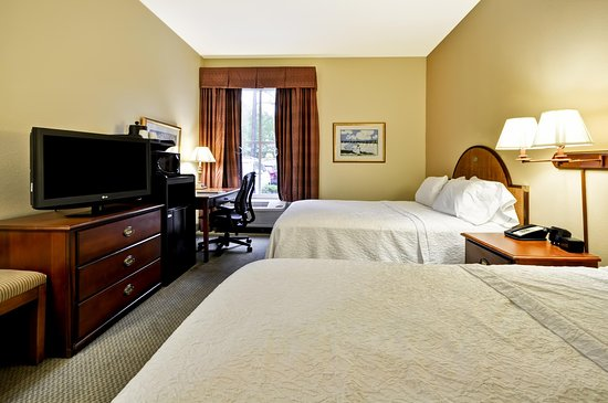 Two queen bedroom picture of hampton inn suites - 2 bedroom hotels in charleston sc ...