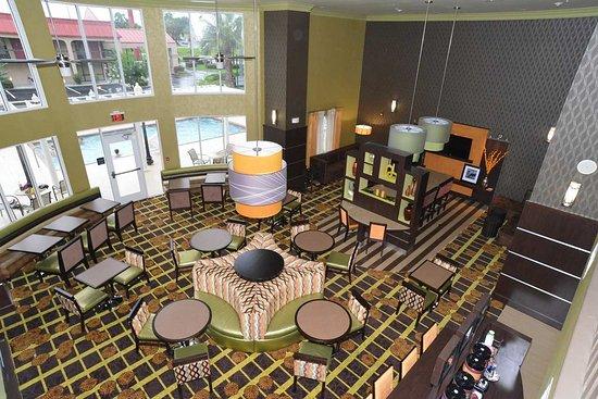 Lake City, FL: Atrium