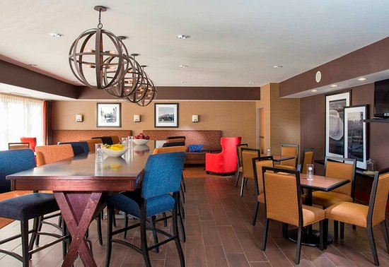 Westminster, CO: Community and Breakfast Area