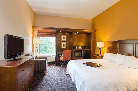 Danville, PA:  King Accessible Room