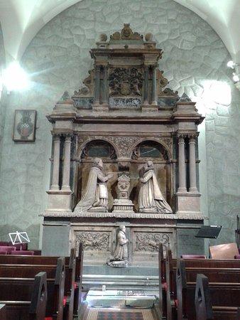 Carrickfergus, UK: End of North transept