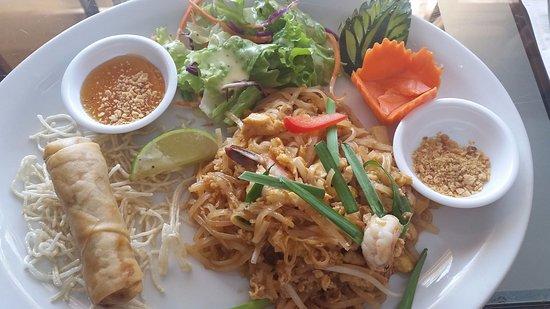 เวสต์แวนคูเวอร์, แคนาดา: Lunch special: Pad Thai