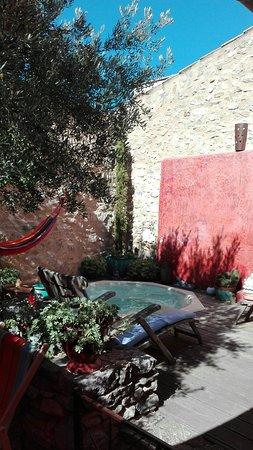 Cucugnan, França: Patio
