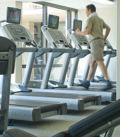 Saddle Brook, NJ: Fitness Center