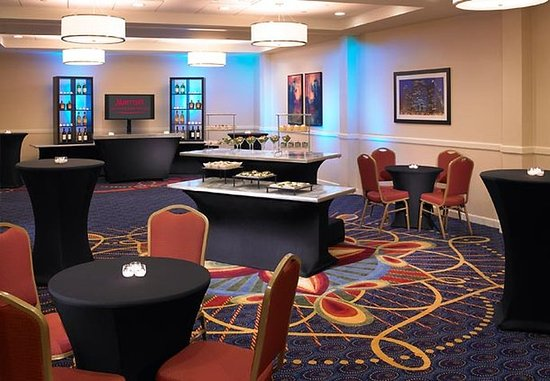 Oak Brook, IL : Elmhurst Banquet Hall