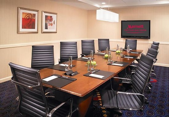 Oak Brook, IL : Boardroom