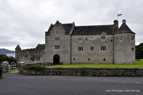 The Lough Gill Drive: Veduta esterna del Parke's Castle