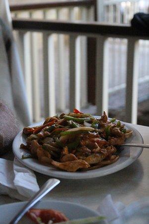 Cody Inn: schezwan chicken with vegetables