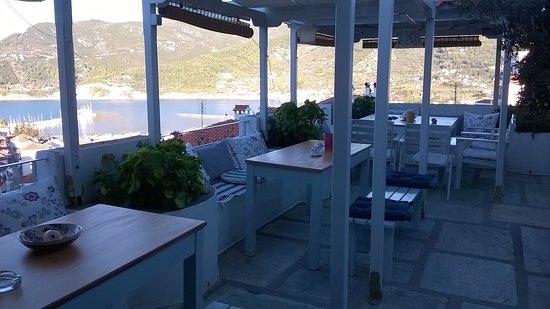 Thea Home Hotel : Terrazza della colazione