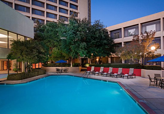 Irving, TX: Outdoor Pool