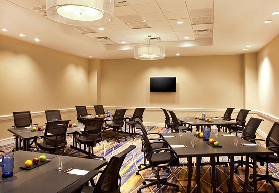 Burlington, MA: Inspire Meeting Room
