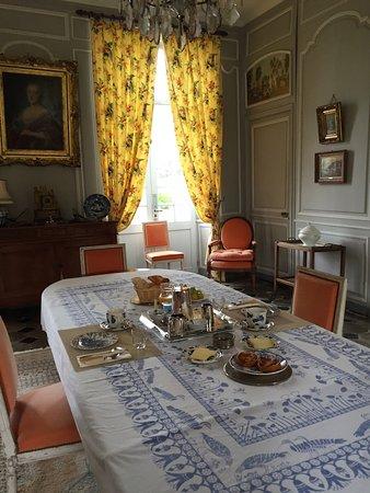 Asnieres-en-Bessin, France: Salle à manger
