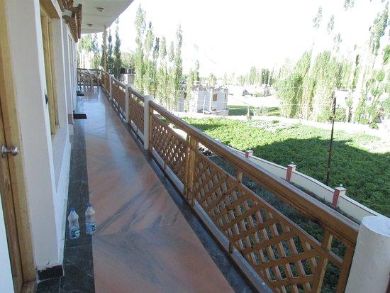 Naro Hotel: Balcony
