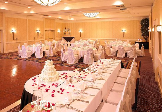 Livonia, MI: Ballroom - Wedding