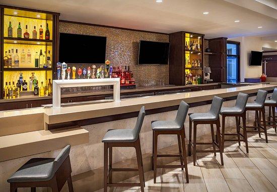 Fullerton, Californie : Lobby Bar