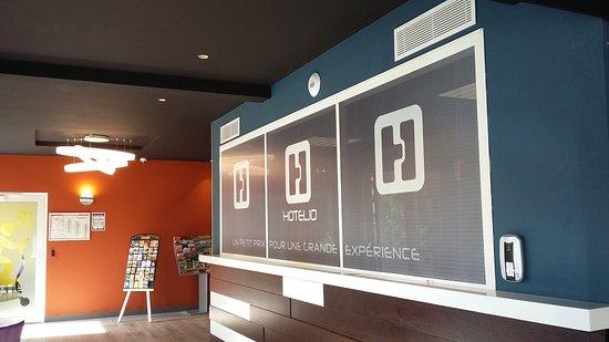 entree picture of inter hotel hotelio montpellier sud lattes tripadvisor. Black Bedroom Furniture Sets. Home Design Ideas