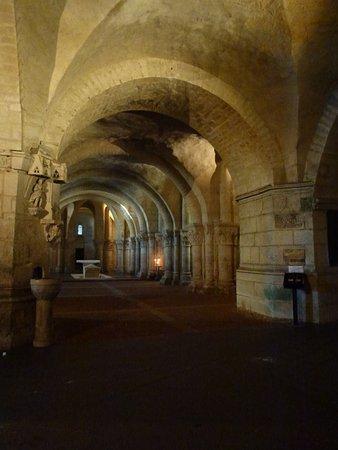 Saintes, Fransa: la crypte