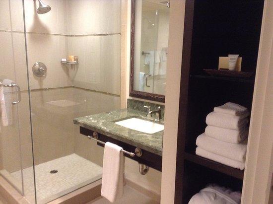 Hotel Corque: bathroom-corner