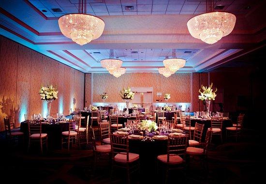 Quincy, MA: Grand Ballroom Wedding