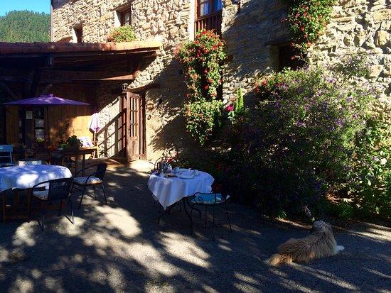 Eibar, Spain: le petit déjeuner par une belle matinée