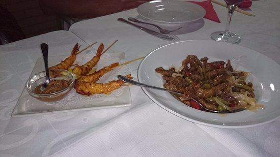 Algarrobo, إسبانيا: Crevettes et viande croutillante