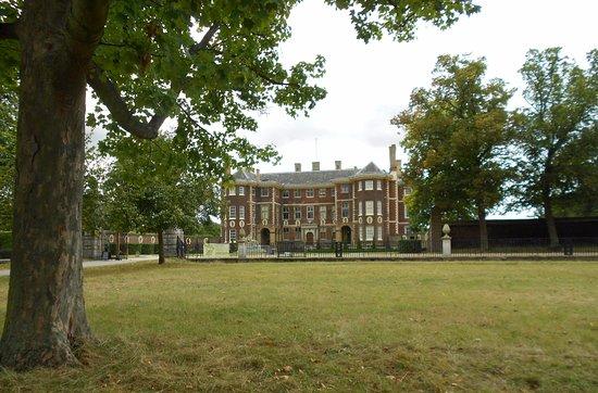 Richmond-upon-Thames, UK: Ham House sullo sfondo