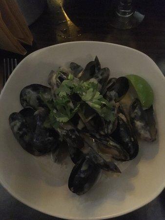 Castlebar, Irland: Mussels. Thai style.