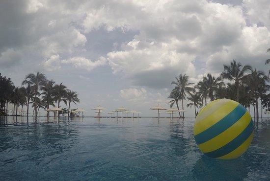 Sheraton Hua Hin Resort & Spa: View from pool