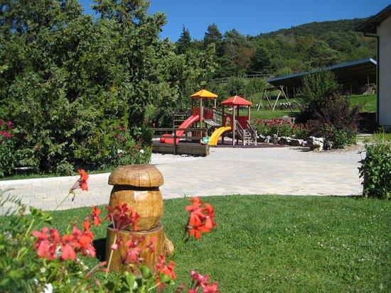 Terlago, İtalya: Area giochi