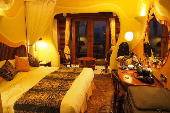 Mara Serena Safari Lodge: Excellent hotel with good view and services.